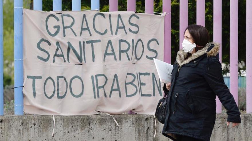 """Agustín, un enfermero de la UCI en Madrid: """"Me siento como si fuera a la guerra"""""""