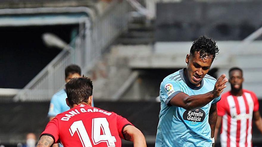 Tapia viaja a Perú y podrá jugar en el Bernabéu el 12