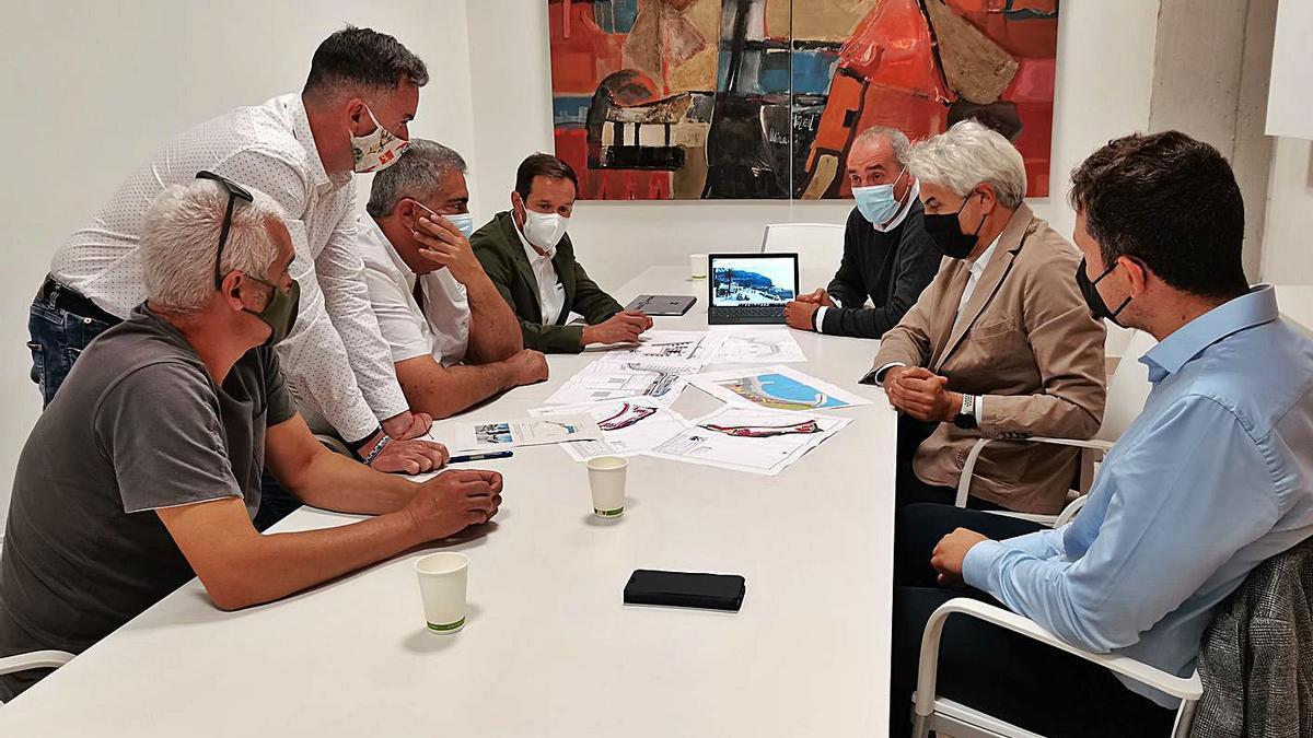 Reunión de las distintas administraciones intervinientes en la planificación de Tazacorte. | | E.D.