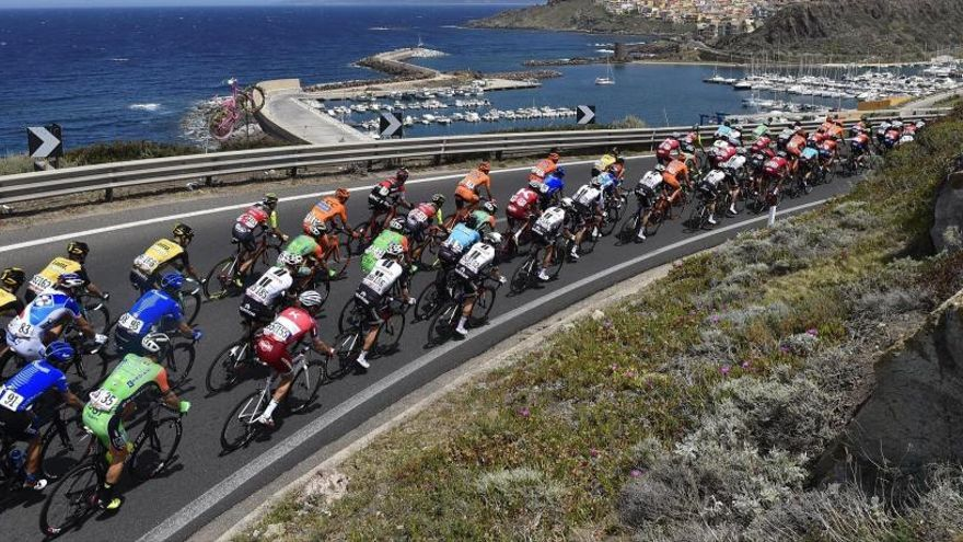 L'Etna espera l'erupció dels favorits al Giro