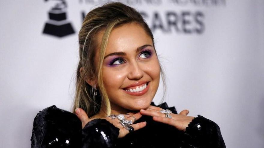 Miley Cyrus es talla els cabells durant la quarantena i revoluciona als seus fans