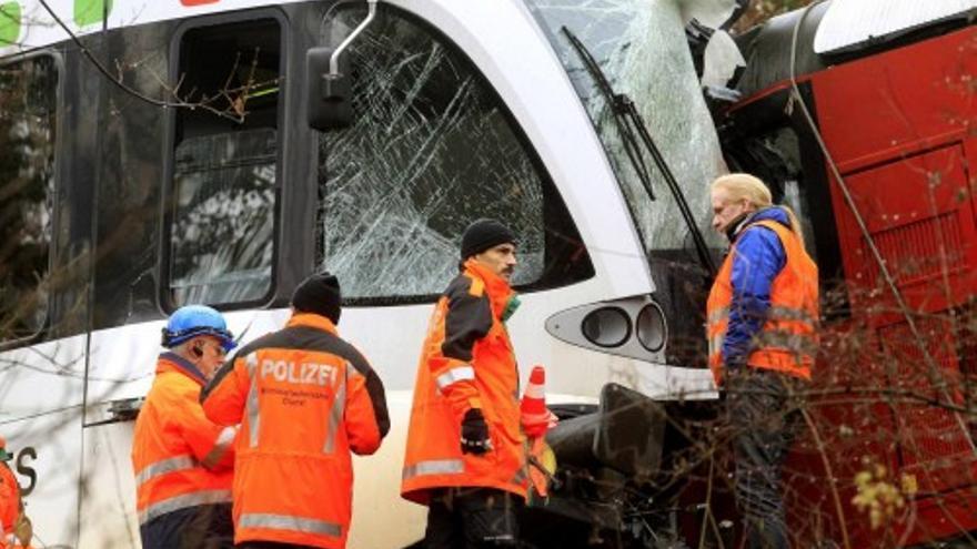Choque de dos trenes en suiza
