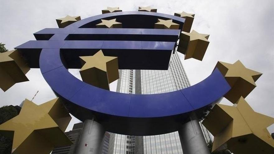 El euro cumple 20 años y sigue como segunda moneda global pese a desequilibrios