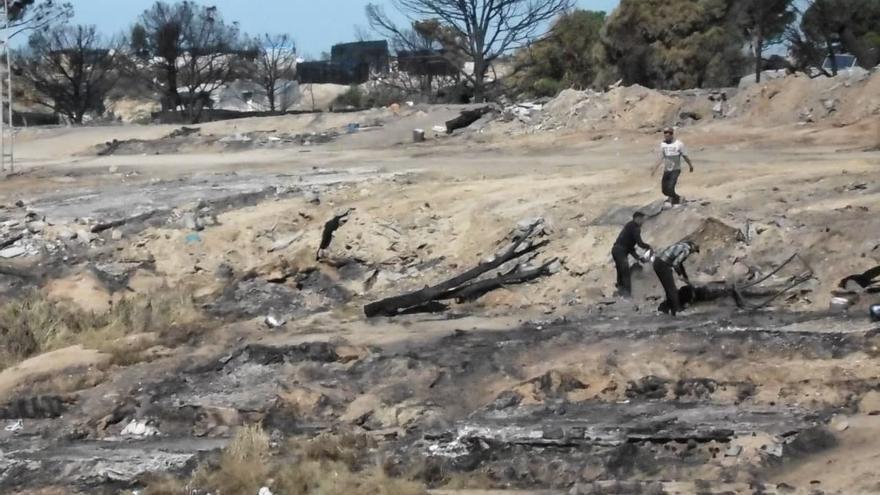 Dos heridos en el incendio de un asentamiento chabolista en Huelva