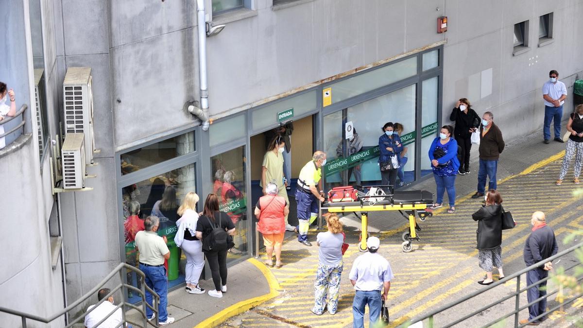 Puertas del servicio de urgencias del hospital de Montecelo, en Pontevedra