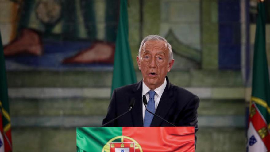 Rebelo de Sousa reelegido presidente de Portugal en la primera vuelta