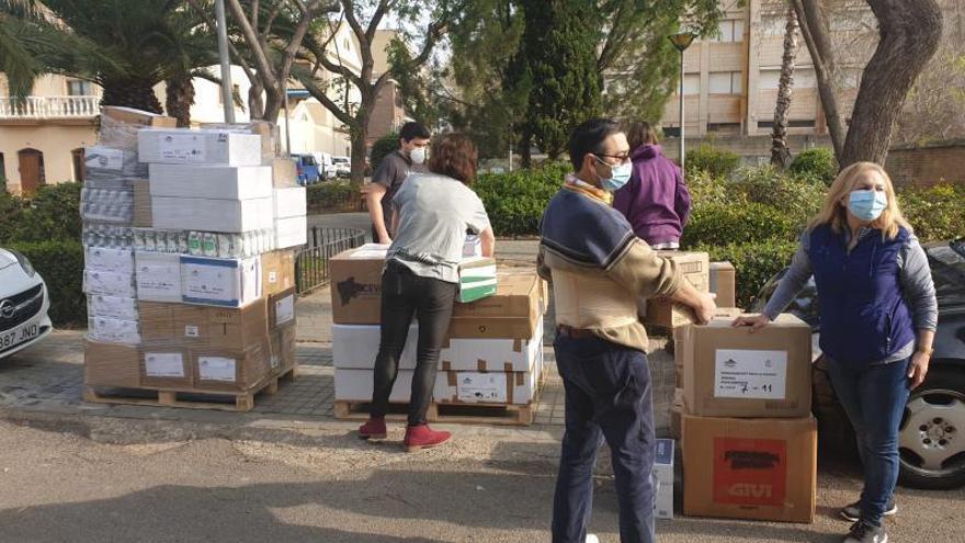 Más de 4,4 toneladas de alimentos salen de Paterna al Sáhara