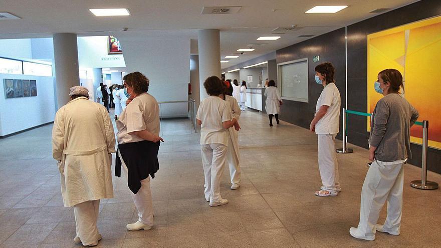 El Sergas podrá forzar el traslado de médicos y enfermeras a áreas con déficit de personal