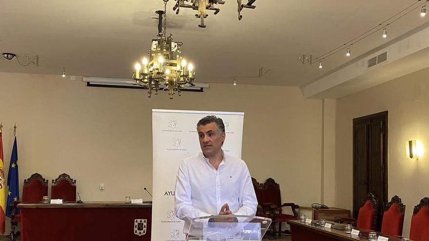 El alcalde de Coria urge a la Junta la ayuda anual de la residencia de ancianos