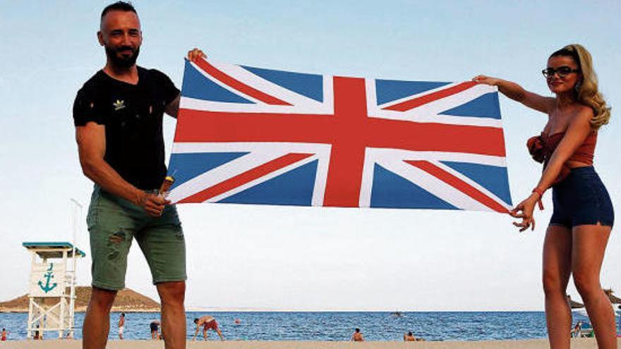 5.800 Euro Strafe für Urlaub auf Mallorca - so machen es die Briten