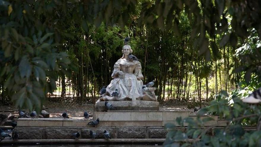 El PSOE urge el plan anunciado por Cultura para poner a punto las estatuas de Badajoz