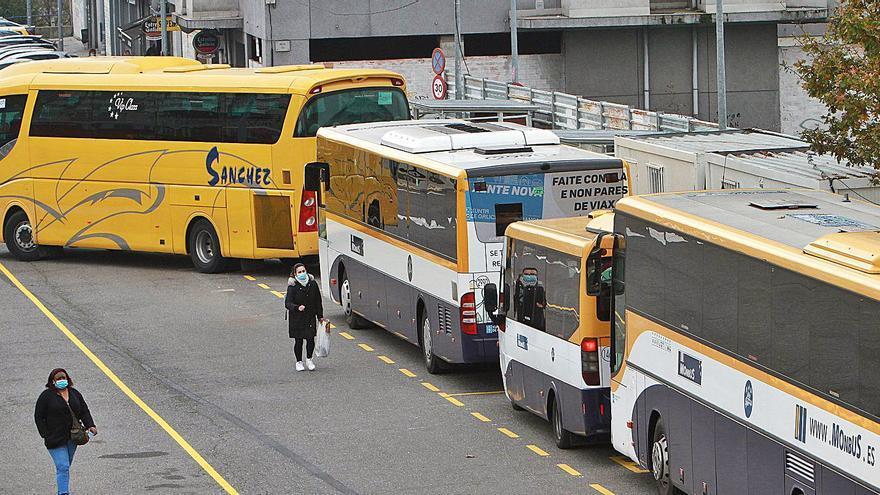 Caos en O Pino: una rotonda es la única alternativa a la clausurada estación de bus