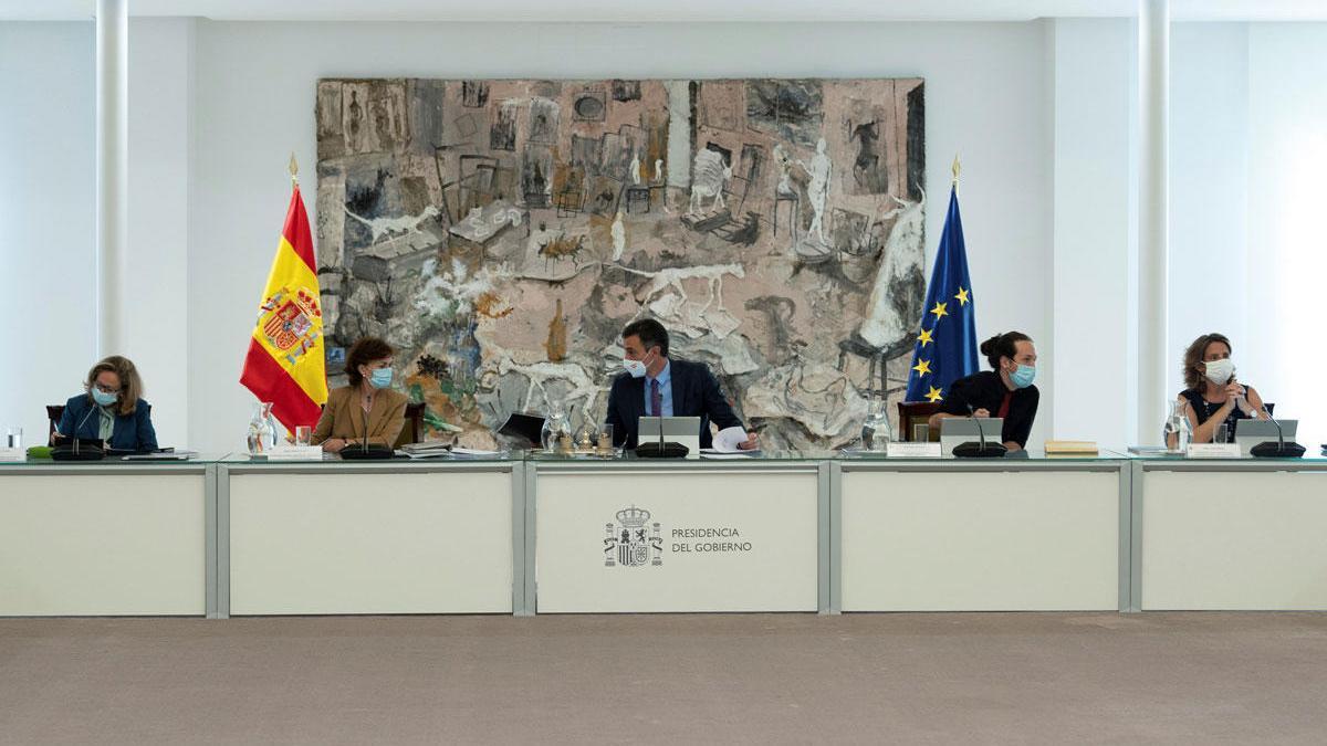Imagen del presidente del Gobierno en el Consejo de Ministros.