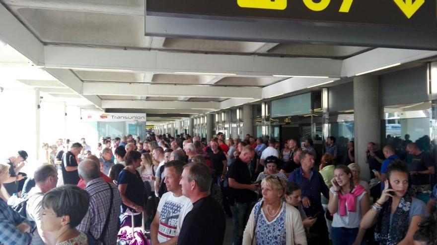 Hunderte von Condor-Passagieren saßen tagelang auf Mallorca fest