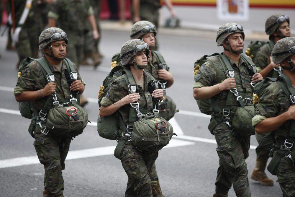 Un grupo de militares paracaidistas en el ...
