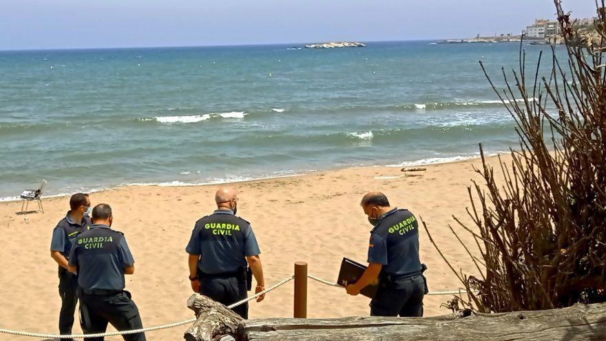 Mor un home de 86 anys ofegat a la platja de l'Escala