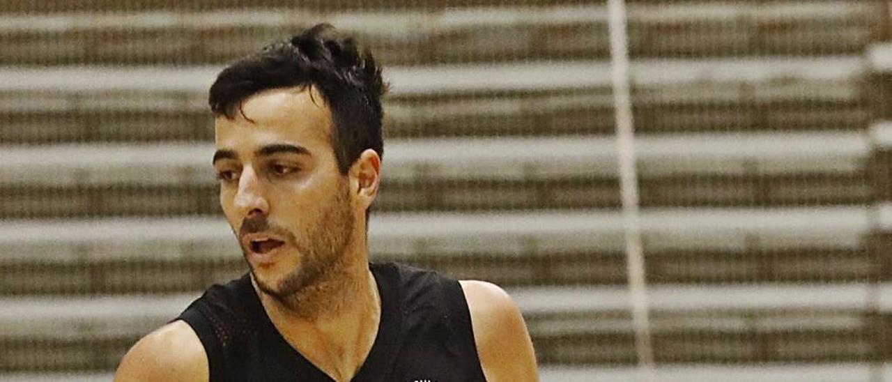 Alo Marín durante un partido del Círculo Gijón.   Ángel González