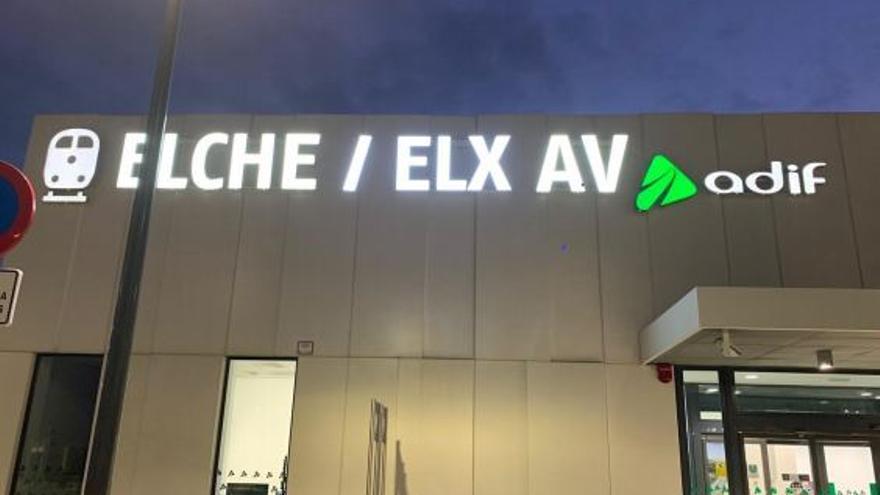 La rotulación en valenciano de la estación de AVE de Elche ha costado 4.750 euros