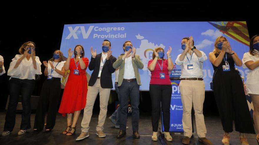 """Casado defiende el puerto y el corredor mediteráneo frente a las """"injerencias catalanas"""""""