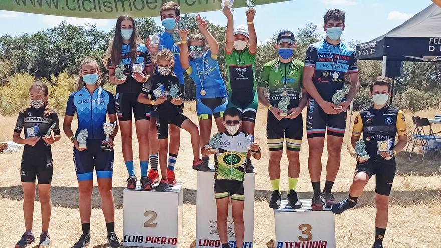Emilio Cordero y Paula Porras campeones absolutos de la copa Bike Tentudía