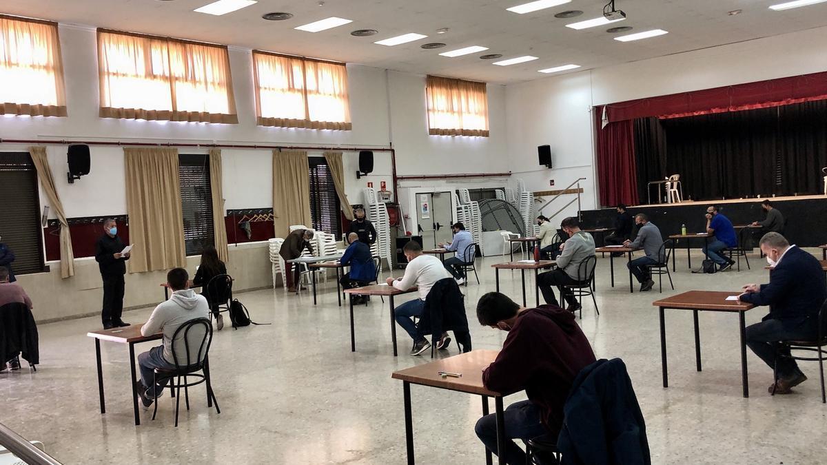 Examen psicotécnico para 17 aspirantes a cinco plazas de oficial de policía en Almassora