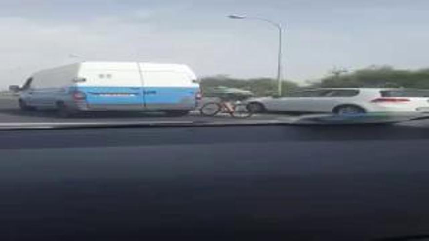 Enxampen a 100 km/h i sense casc a un ciclista a Mallorca