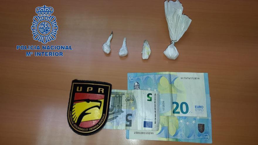 Detienen a un hombre por traficar con drogas en el barrio ovetense de La Tenderina