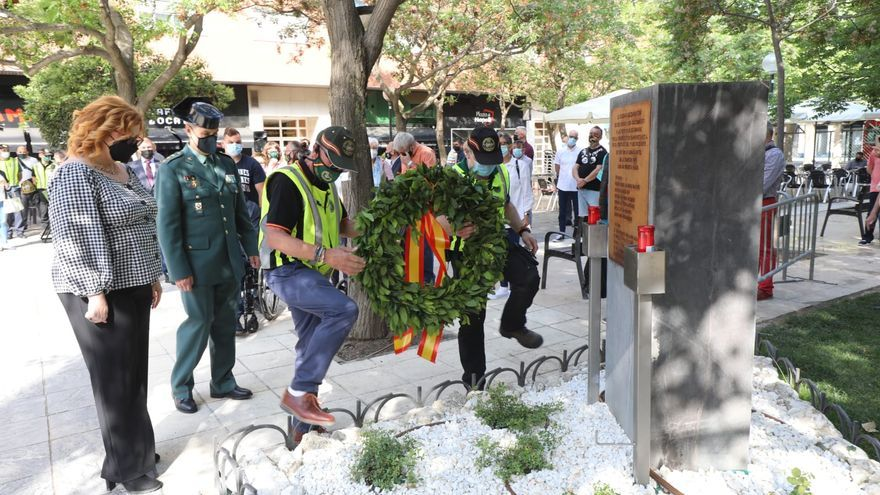 Acto de homenaje a las víctimas de la casa cuartel de la avenida Cataluña