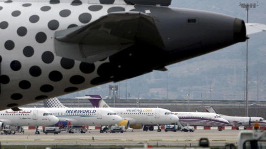 El Gobierno restringe los vuelos a Canarias y Baleares