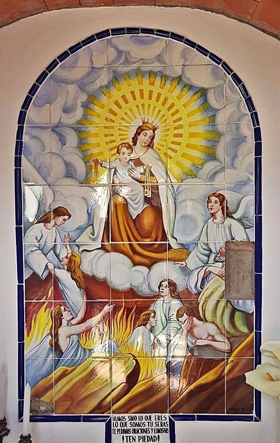 Retablo en cerámica de Manises con la representación de la Virgen del Carmen y escenas del Purgatorio. |  VICENTE ALONSO