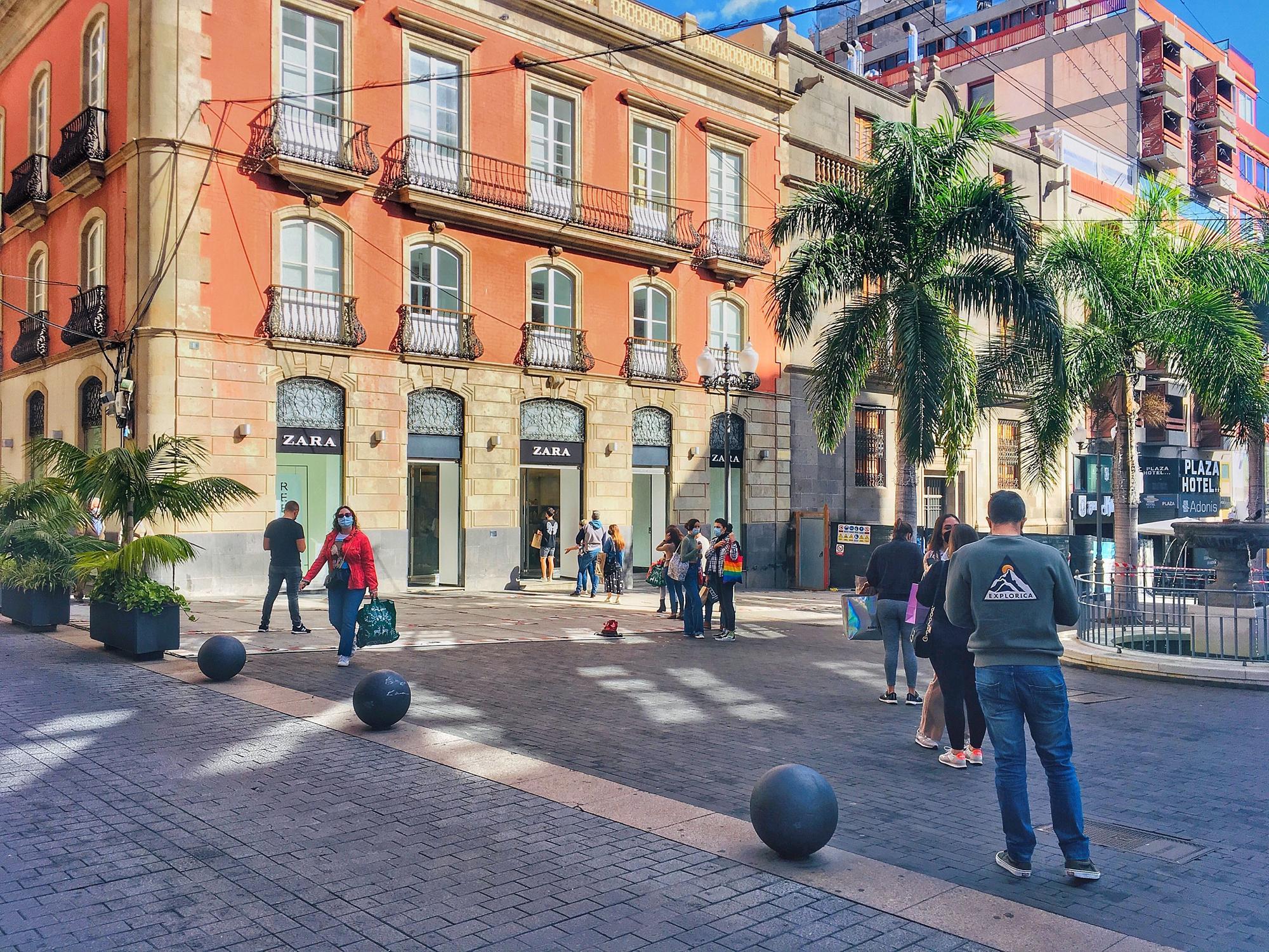 Primer día de rebajas en Santa Cruz de Tenerife
