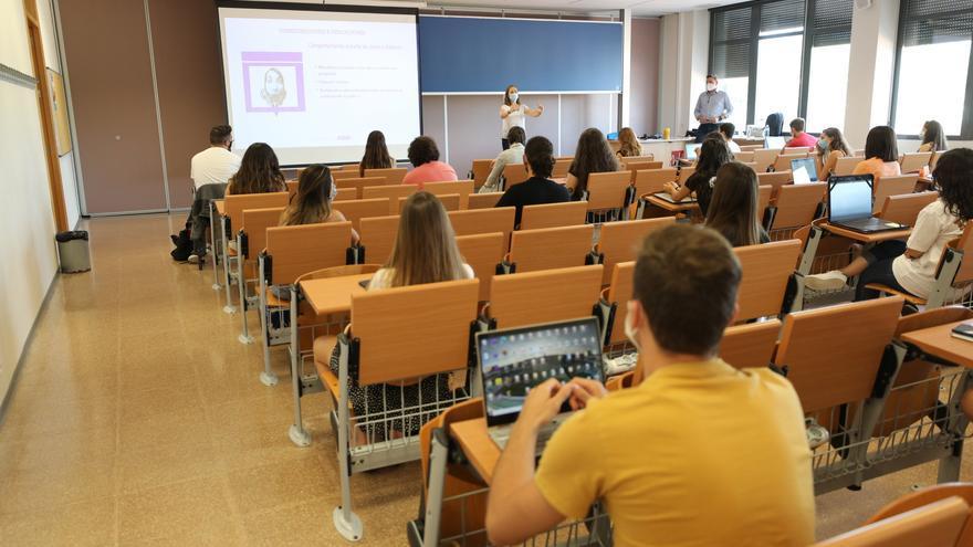 Más de 14.000 estudiantes han retomado este lunes las clases en la UMH de Elche
