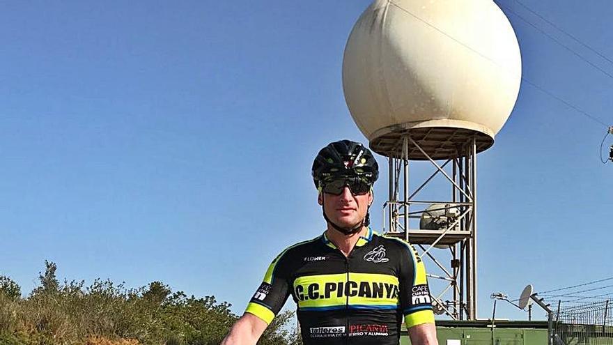 Un ciclista de Picanya subirá 25 veces a la Bola de Cullera