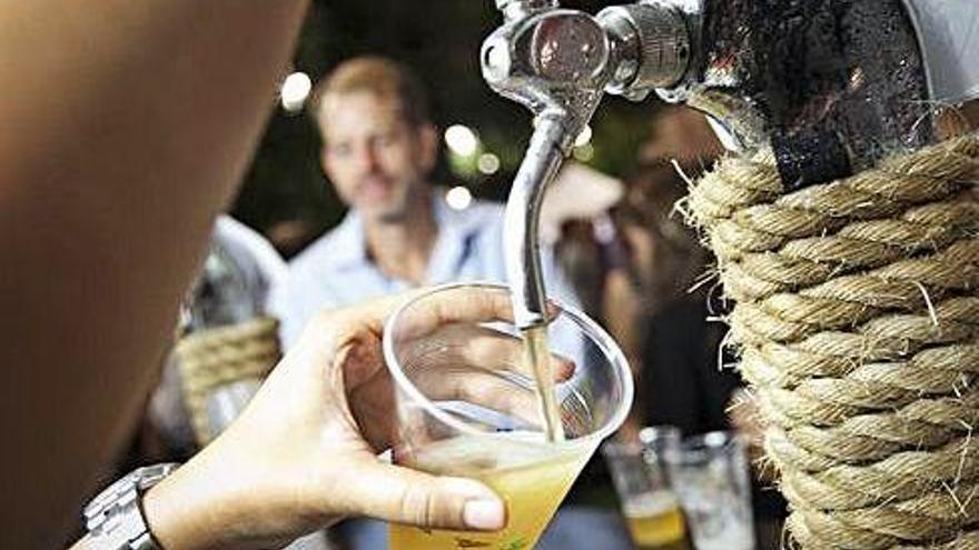 La elevada presencia de turistas no dispara el consumo de cerveza en las Islas