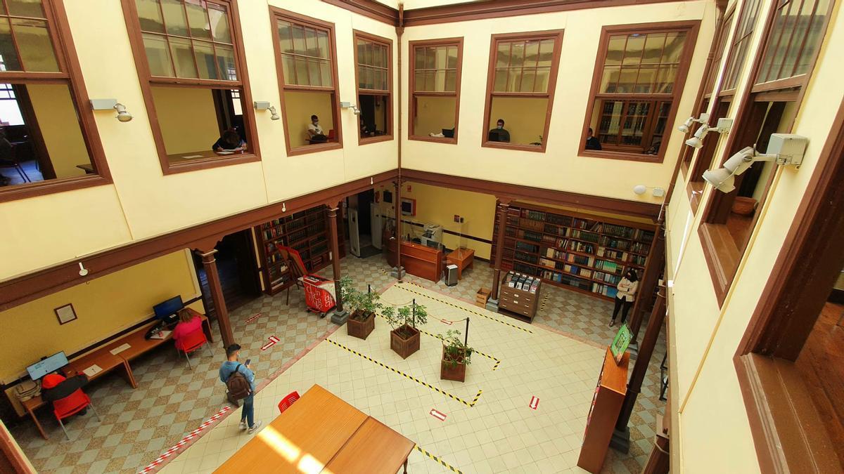 La Biblioteca Municipal de La Orotava, usada habitualmente como sala de estudios por los alumnos villeros.