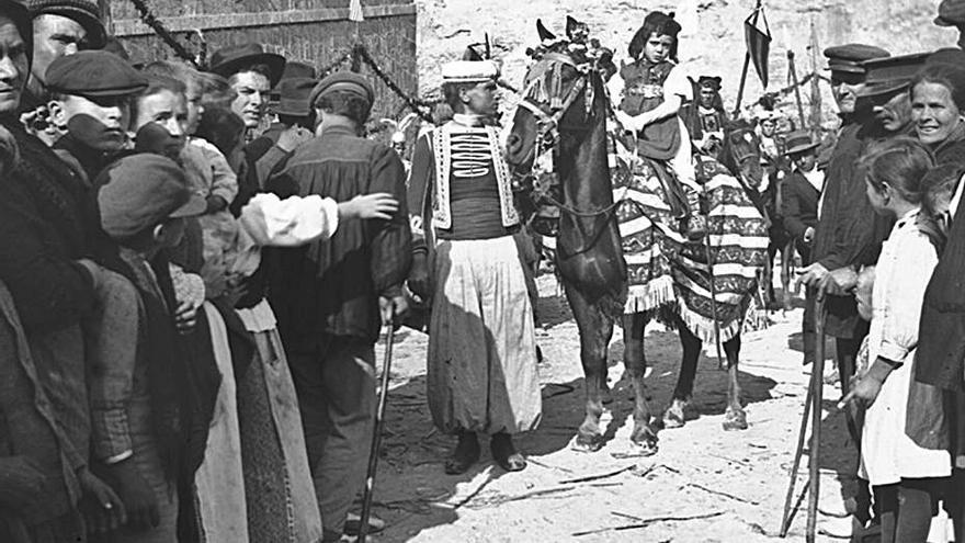 Cent anys de Moros  i Cristians a Oliva