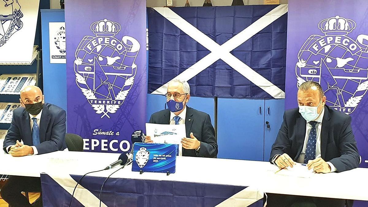 Fepeco comienza una campaña por «la dignidad» de Tenerife ante su parálisis     EFE