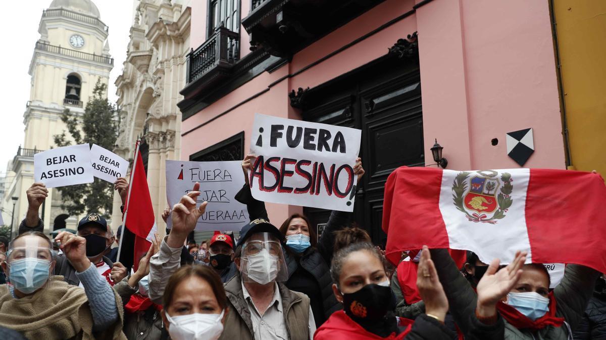 Manifestaciones en Perú contra Héctor Béjar.