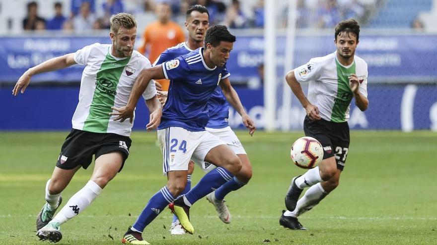 El exjugador del Sporting Álex Barrera deja de pertenecer al Extremadura