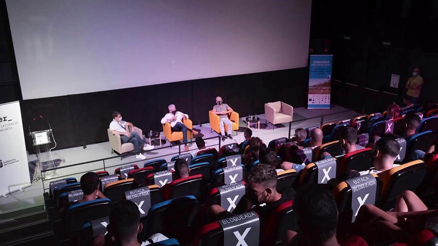 Socorristas de Gran Canaria llenan el Museo Elder para la proyección de ´Desahogo´