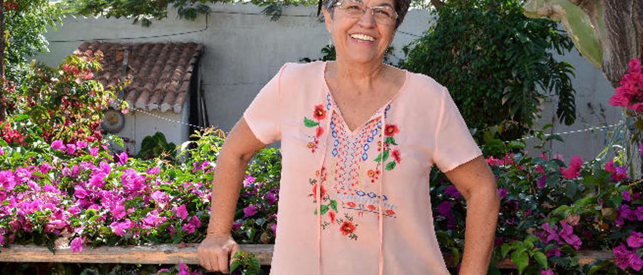 Mary Carmen López, ayer, en su vivienda en La Medianía, en el municipio de Telde.