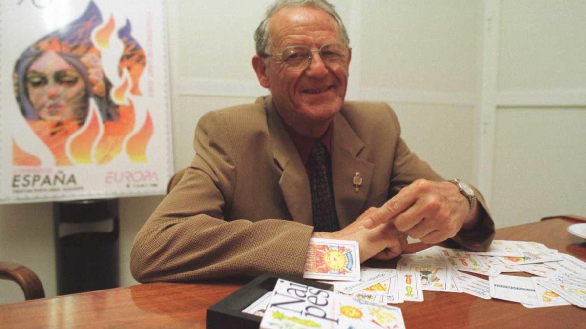 El expresidente Francisco Navarro cuando estaba en el cargo en 1999