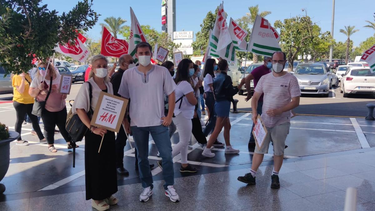 Una imagen de la concentración en Marbella por el ERE de H&M.