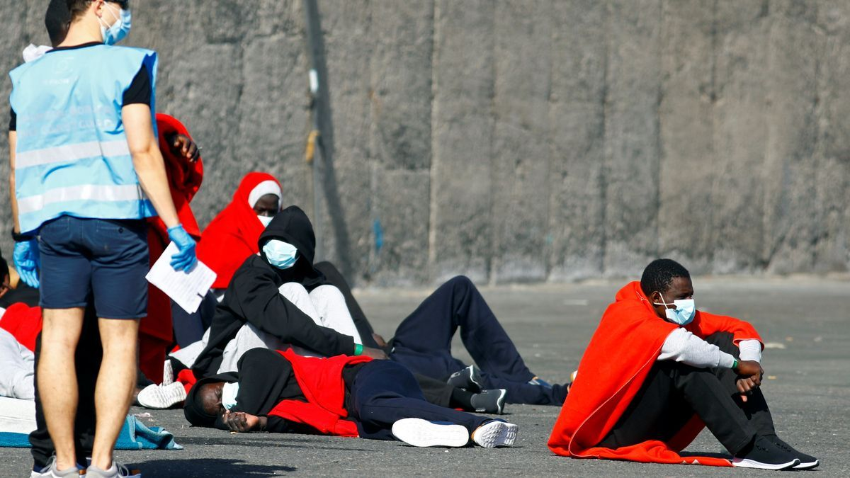 Grupo de inmigrantes rescatado al sur de Gran Canaria.