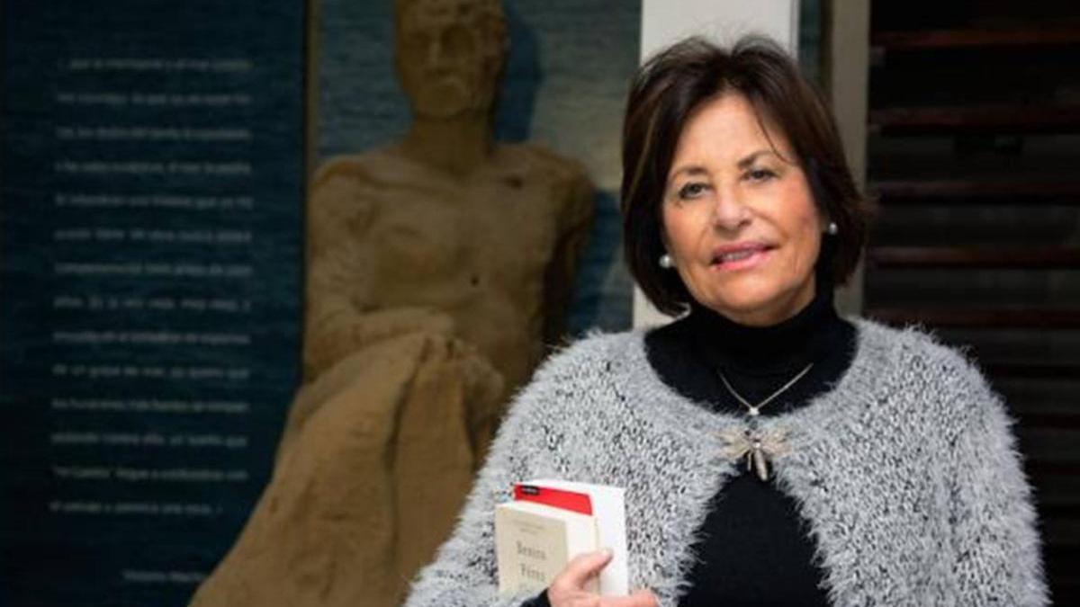 La autora de la biografía de Galdós, Yolanda Arencibia