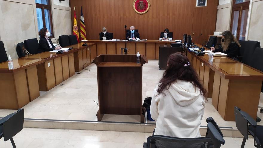Condenada a cuatro años de cárcel por acuchillar a su novio en Palma