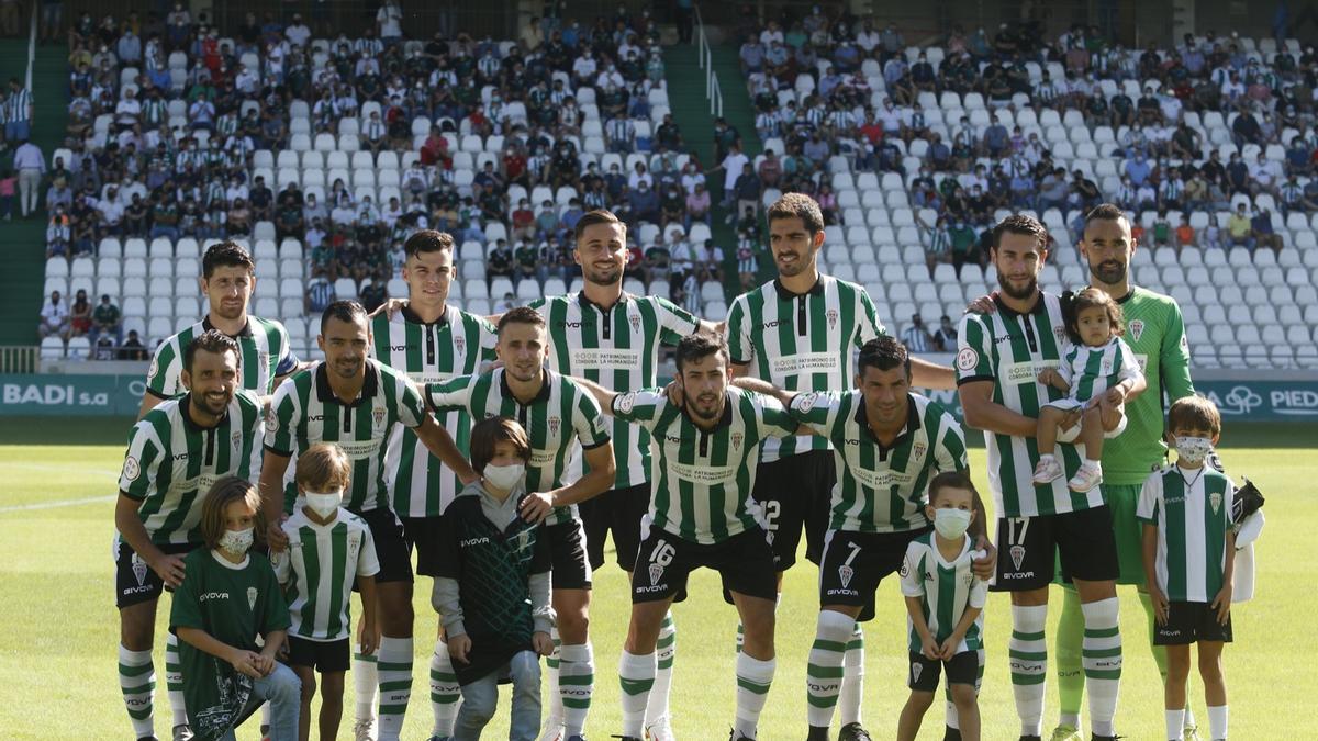 Equipo titular del Córdoba CF que se impuso este domingo en El Arcángel a la UD San Fernando.