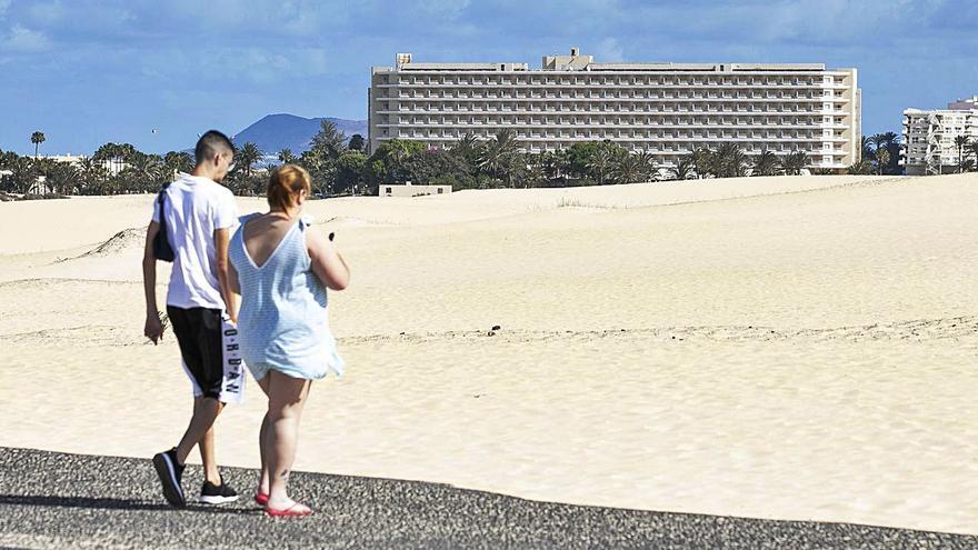 El Cabildo vuelve a reclamar una solución urgente para el Oliva Beach