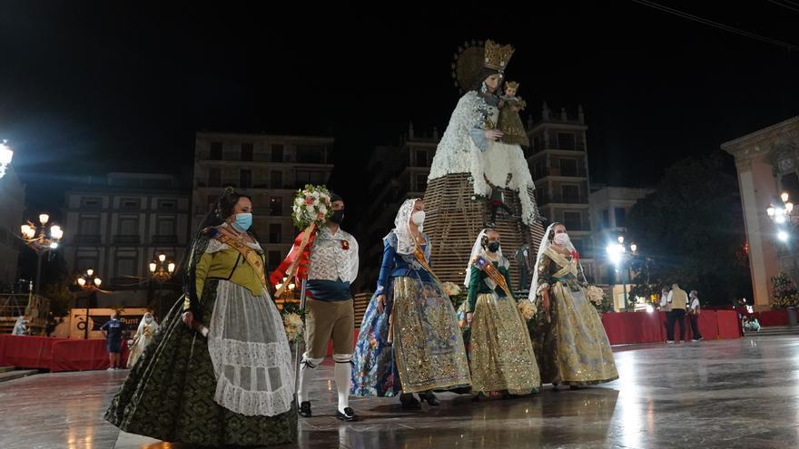 Paterna asiste a la Ofrenda de València a la Mare de Déu