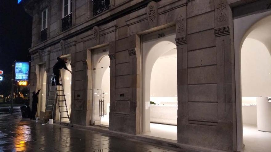 La tienda de Zara en la calle Compostela abre otra entrada por la plaza de Mina